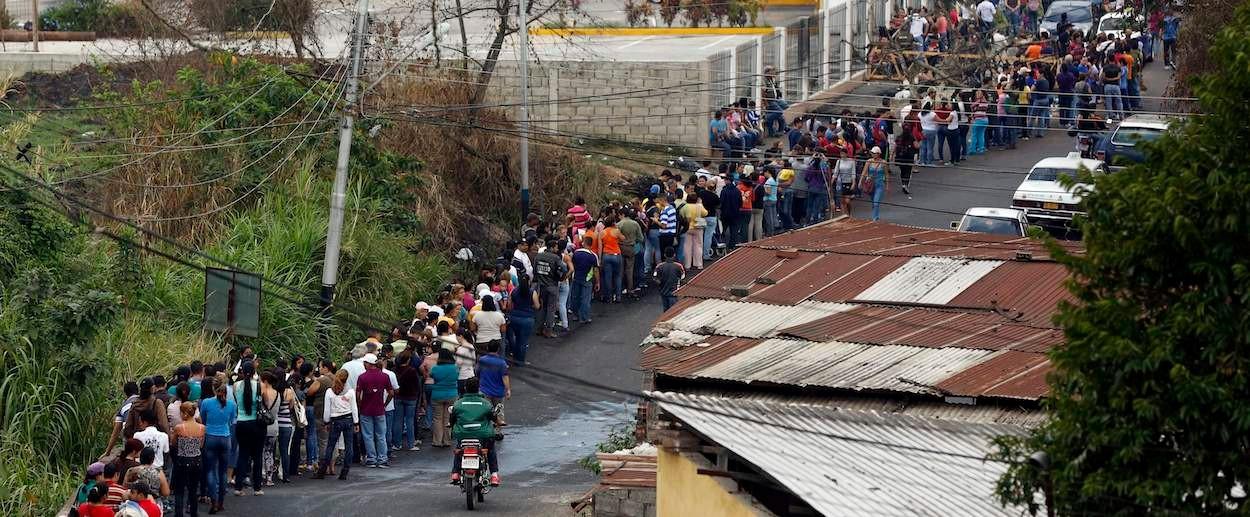 Hungry-venezuela-shortage